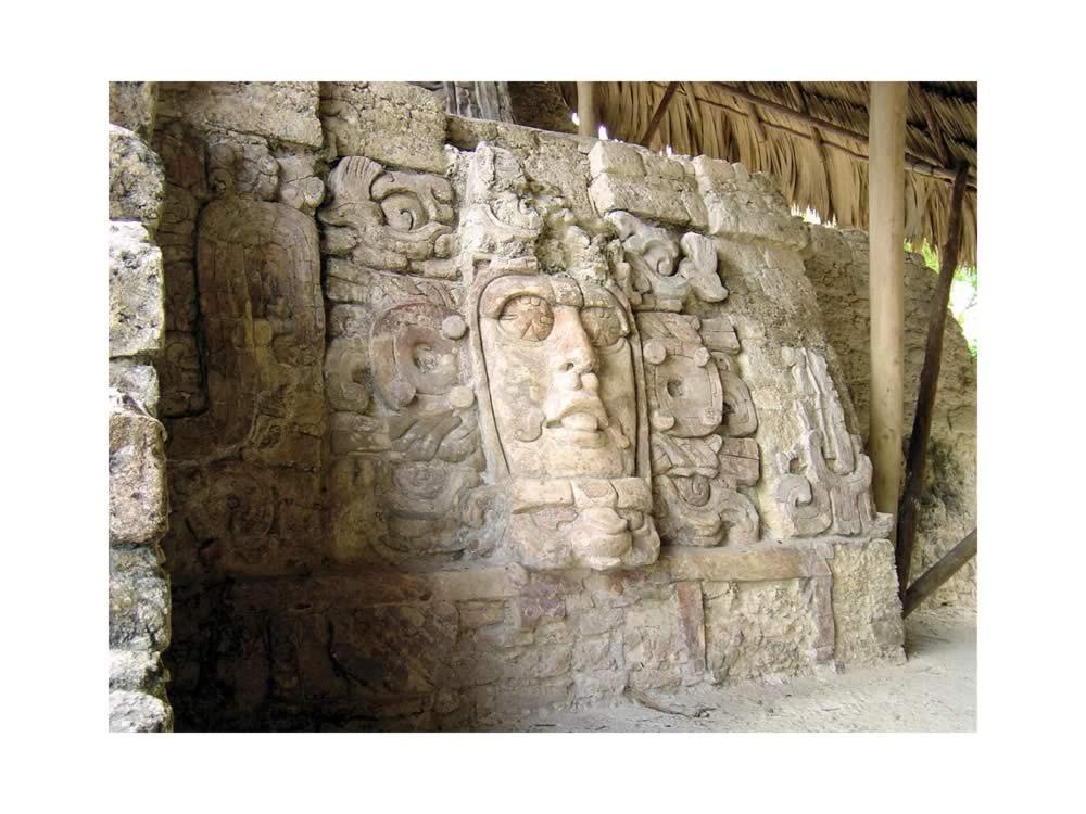 Hotel Rio Bec Dreams near Calakmul | Kohunlich mask